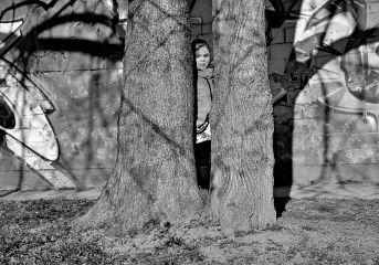 blackandwhite streetphotography street child portrait